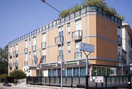 Palermo Today: Colpito da malore mentre gioca a tennis: salvato dopo 9 ore di intervento al Maria Eleonora Hospital.